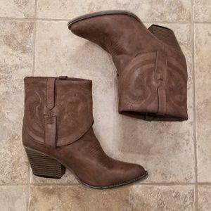 MIA Good Condition Half Cowgirl Boots Brown
